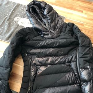 Lululemon down jacket Size 6!!